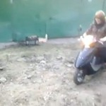 Jej pierwszy raz na motorze