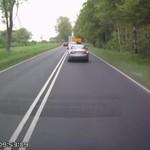 Niebezpieczne wyprzedzanie - kierowcy mieli szczęście!