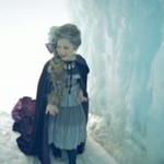 """Piosenka z """"Frozen"""" w wykonaniu małej dziewczyki"""