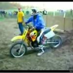 """Kolejny """"zajebisty"""" motocyklista"""