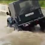 Nadmiernie optymistyczny kierowca jeepa