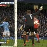 Gwiazda Manchesteru United kopnęła się w głowę!