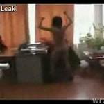 Uczeń znęca się nad nauczycielką! Mocne wideo z Rosji!