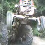 SZALONY kierowca traktora!