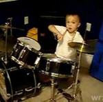 Trzyletni perkusista - świetny!!!