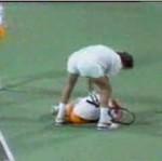 Boris Becker uderzył chłopca podającego piłki!