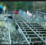 Kajakiem po schodach - HARDKOR!