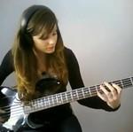 Śliczna, utalentowana gitarzystka