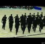 Uczniowie zdyscyplinowani jak wojsko!