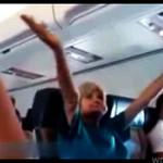 Jej pierwszy lot samolotem! ZOBACZ REAKCJĘ BABCI!