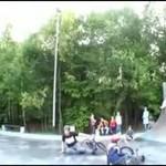 Wypadek w skateparku
