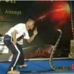 Rekord w całowaniu węża