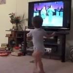 Tańczący dzieciak podbija Internet!