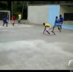 Gra w piłkę na dachu - O OŁ...