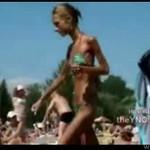 Anorektyczka na plaży - TRAGEDIA!