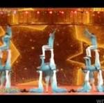 NIEZWYKŁY pokaz akrobatów - DOCENISZ!