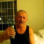 Polacy za granicą - pracują, piją i się bawią