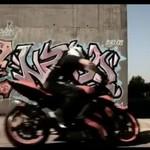 Motocyklowi mistrzowie stylu