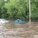 DURNI kierowcy podczas powodzi!