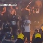 Kibice PODPALILI trybuny fanów przeciwnej drużyny!