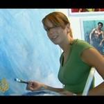 Gorąca artystka namalowała żywe dzieło!