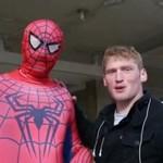 Całowały Spidermana!