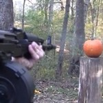 Rzeźbienie w dyni - za pomocą broni!