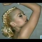 Którą Gwen Stefani bardziej kochacie?