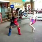 Kickboxing w wykonaniu małej dziewczynki - WOW!