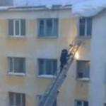 Strażak vs śnieg