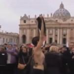 Kobiety z Femen obrażają... PAPIEŻA!?