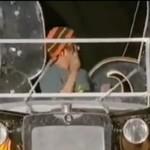 Kamerzysta wyhaczył kolesia na kwasie