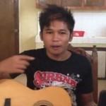Filipińczyk śpiewa, robi beatbox i gra na gitarze
