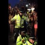 Tak tańczy brytyjska policja