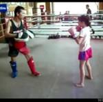 Ta dziewczynka pokona cię w ringu!