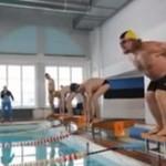 """Pływanie w basenie """"pod wpływem"""""""