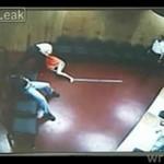 Policjanci znęcają się nad kobietą!