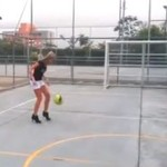 Futbolowy freestyle... NA SZPILKACH!
