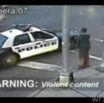 Policjanci RZUCILI SIĘ na bezdomnego!