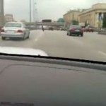 Wjechał swoim samochodem w korek!
