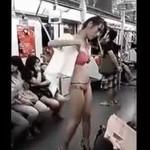 Tymczasem w chińskim metrze...