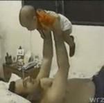 Zabawa z niemowlakiem