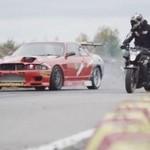 Epicki wyścig samochodu z motocyklem!
