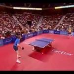 Pasjonujący mecz ping ponga