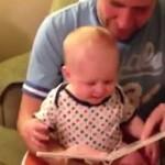 Śmiech tego dzieciaczka jest zaraźliwy!
