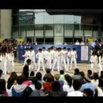 Taniec robotów w centrum handlowym