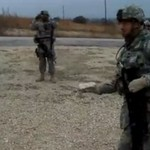 Kretyńska zabawa w wojsku