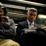Zobacz reakcje na bezdomnego śpiącego w metrze