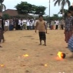 Płonąca piłka nożna - gorący męski sport!