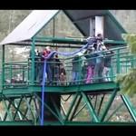 Kaleka skacze na bungee!